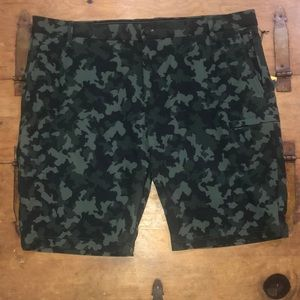 Men's Industry Camouflage shorts Size 38